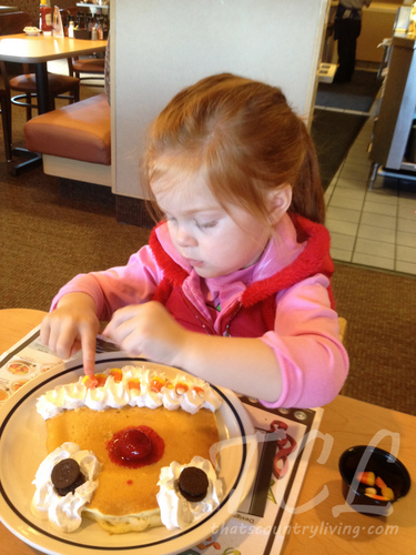 pancake decorating