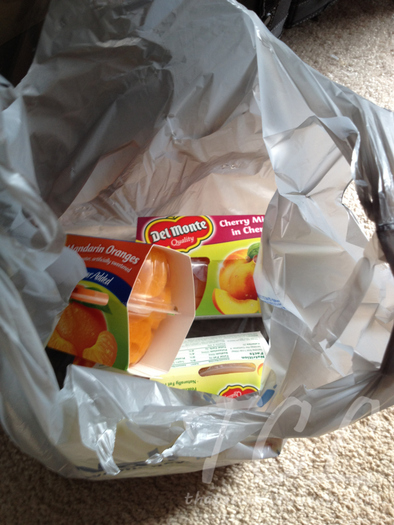 t bag of del monte fruit cups