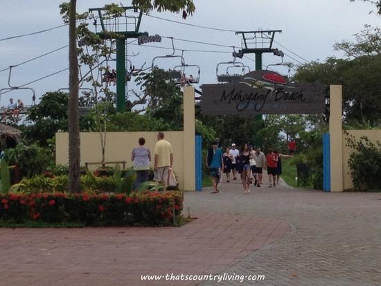Roatan Honduras Mahogany Beach q