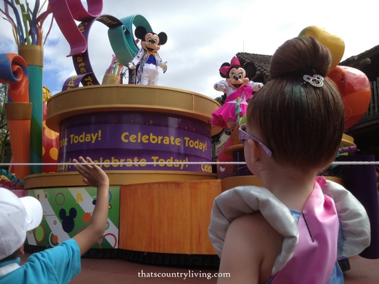 cinderella magic kingdom disney world parade mickey