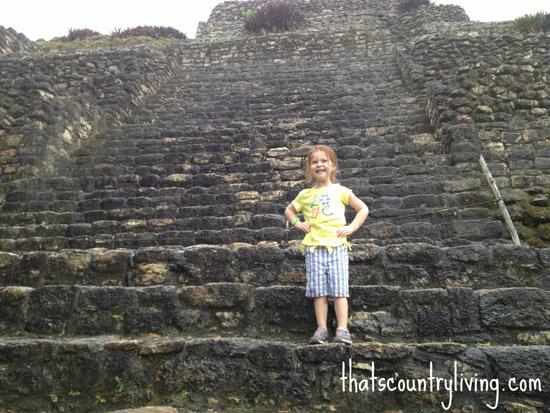 mayan ruins in chacchoben